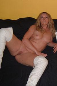 reife endvierziger Frau post nackt