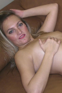 Amateurgirl mit kleinen dicken titten